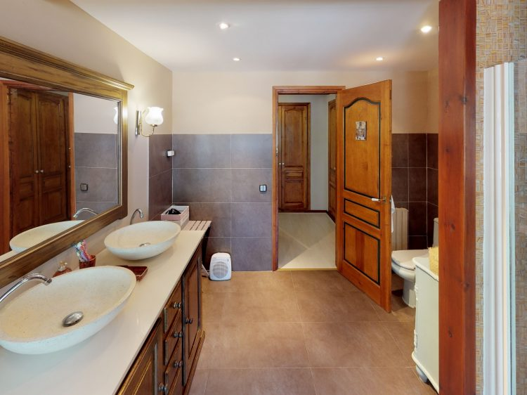 Borda-1-Bathroom.jpg
