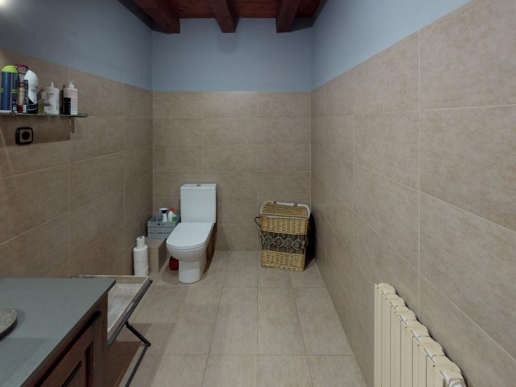 Borda-1-Bathroom (1).jpg
